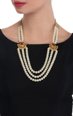 Peal layered necklace with kundan pendant