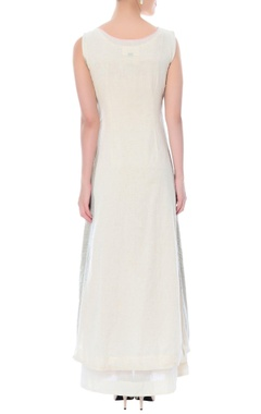 Off-whitetwo piece gown with applique details