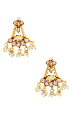 Gold kundan and pearl set