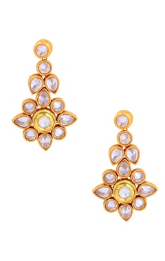Gold polished kundan and pearl set