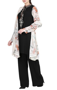 Black embroidered kurta with trousers & dupatta
