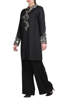Black kurta & trousers