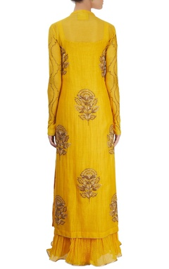 Mustard yellow kurta set with embroidery in gold thread