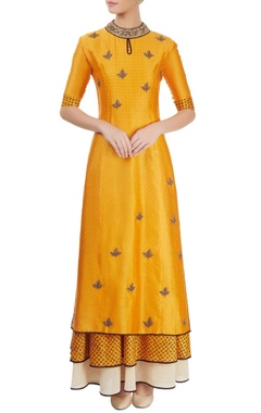 Aksh Mustard yellow kurta set