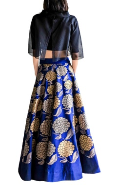 midnight blue skirt with black crop top