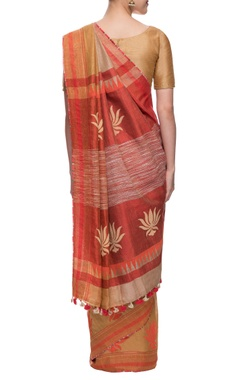 Beige linen sari with lotus motif