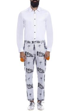 White & black printed trousers