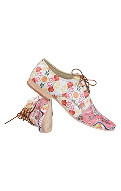 pink & white floral printed shoes