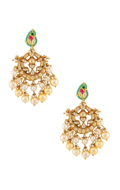 Multicolored stone with gold earrings