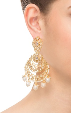 Gold & white beaded earring
