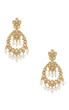 White & gold kundan earrings