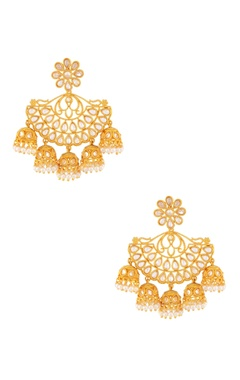 Gold earring with jhumkas
