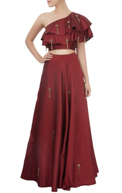 maroon one shoulder crop top & skirt set with tassels