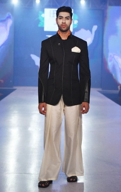 Arjun Khanna black bandhgala with panelled sleeves