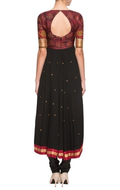 Black & red embroidered kurta set with printed bodice