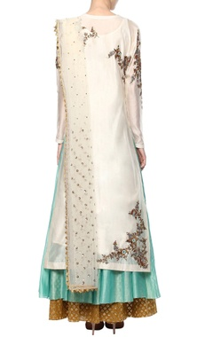 White embroidered kurta set