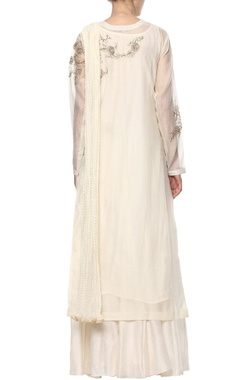 Off-white floral embroidered kurta set