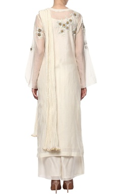 cream hand embroidered kurta set