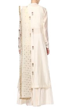 Off-white embroidered kurta set