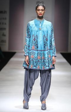 Turquoise printed kurta & grey dhoti pants