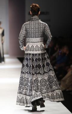 Black & white printed maxi dress