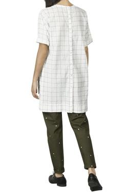 White asymmetric shirt with olive checks