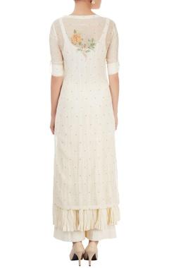 White kurta set with embroidery