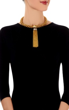 Gold link necklace with tassels