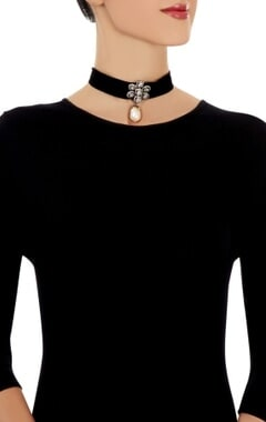 Black choker with floral motif