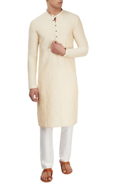Cream kurta with motif details