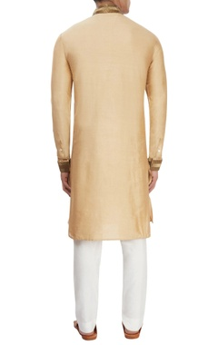 Beige kurta with antique pipework
