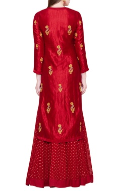 maroon lehenga set with zardozi embroidery