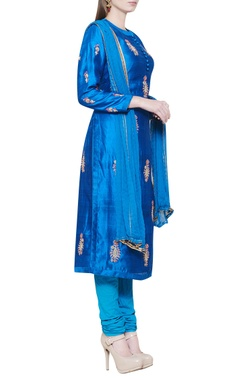 firozi blue kurta set with embroidery