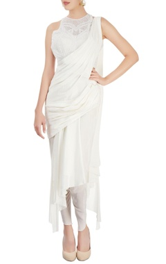 Sonaakshi Raaj White sari gown with pearl embroidery