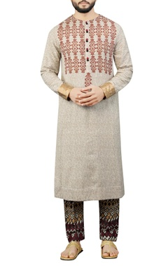 Debarun - Men Cream kurta with printed pants