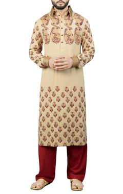 Debarun - Men Cream printed kurta with maroon salwar