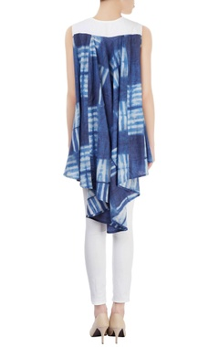 White & blue tunic with asymmetric hem