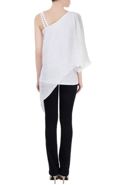 White layered tunic with asymmetrical hem