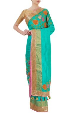 sea green sari with border detailing