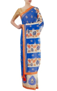 blue & off white sari with border detailing