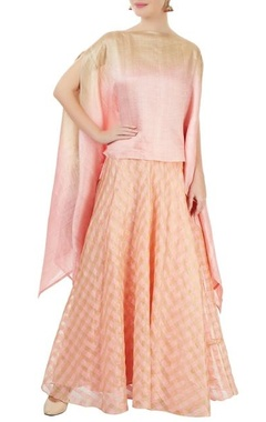 Pinki Sinha Pink & gold checkered skirt set