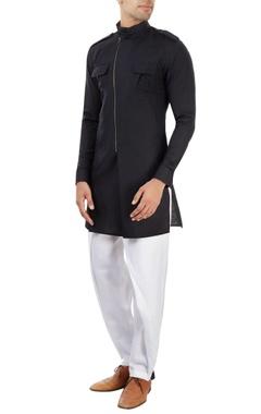 Black kurta with a zipper