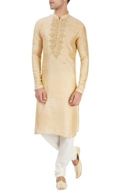 beige kurta with applique