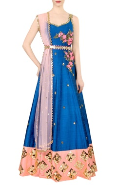 Blue embroidered kurta set