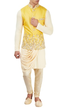 Sarab Khanijou Beige kurta set with embroidered jacket