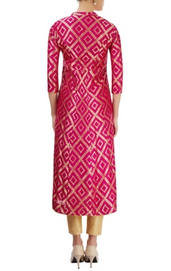 Pink kurti with floral design