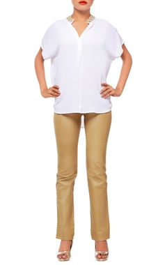 White top with collar details