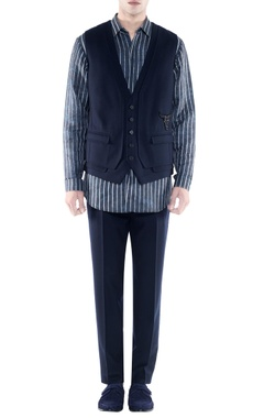 Rohit Gandhi + Rahul Khanna - Men Black jacket with emblem embroidery