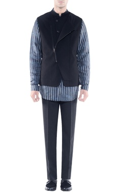 Rohit Gandhi + Rahul Khanna - Men Black jacket with asymmetrical opening