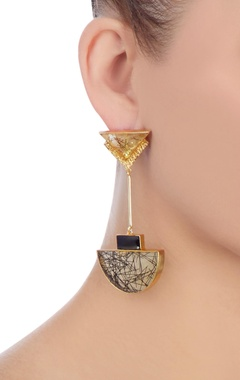 Gold & black highlighted stone earrings